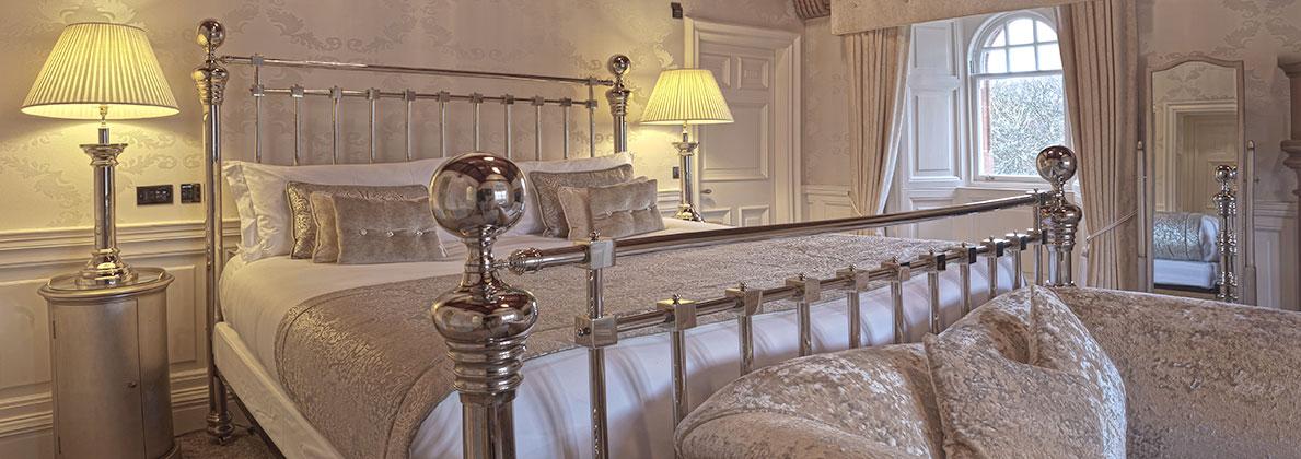 Elegant rooms and suites